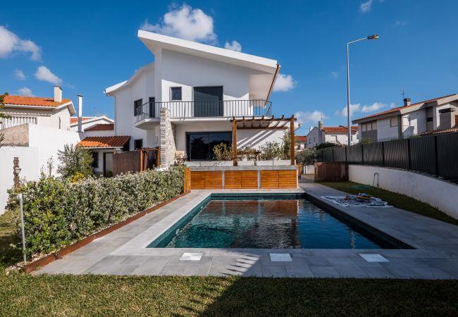 Villa em Parede - BeGuest Sun & Pool House