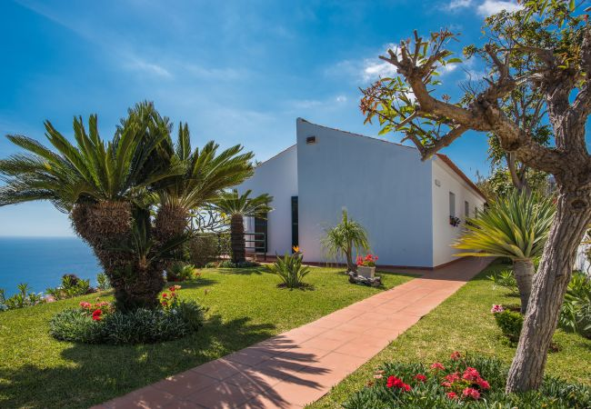Villa en Caniço - VIVENDA DA ESQUINA - by MHM